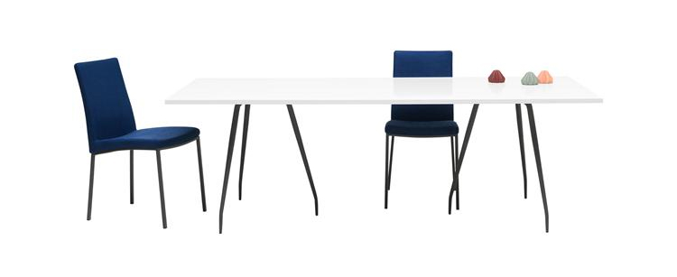 occa-white-table-black-legs-boconcept-dining