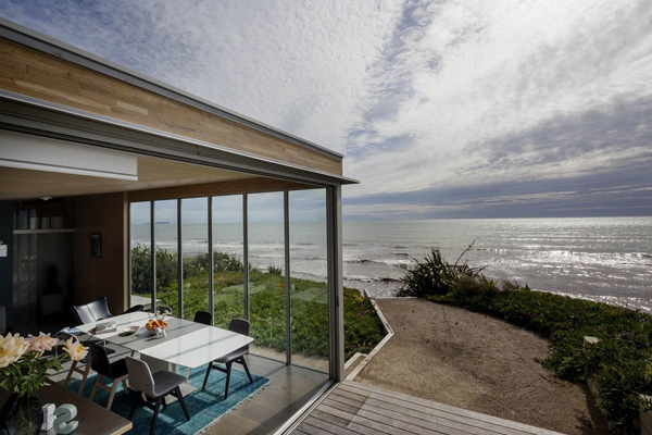 kapiti-new-zealand-beachfront-home