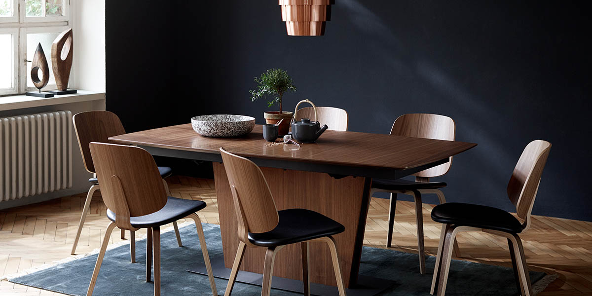 Milano walnut extendable dining table
